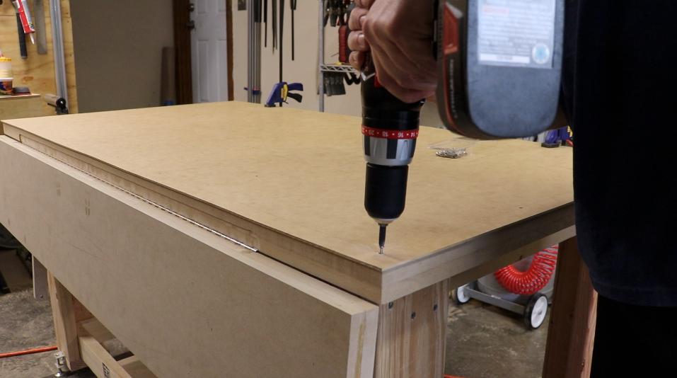 Attaching the hardboard top