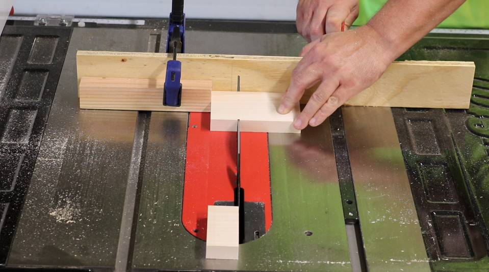 Cutting the bracket parts