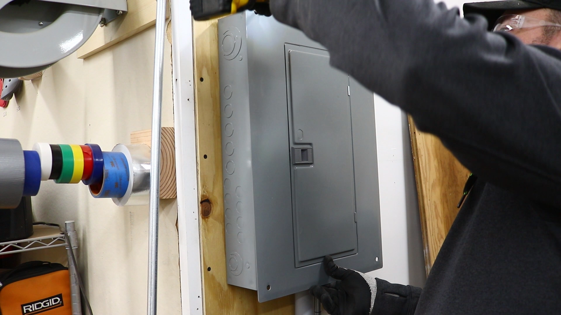 Removing panel cover
