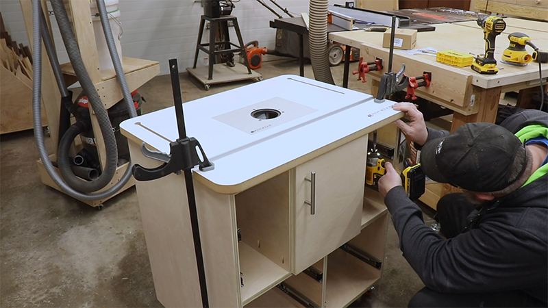 Attaching the top to the cabinet