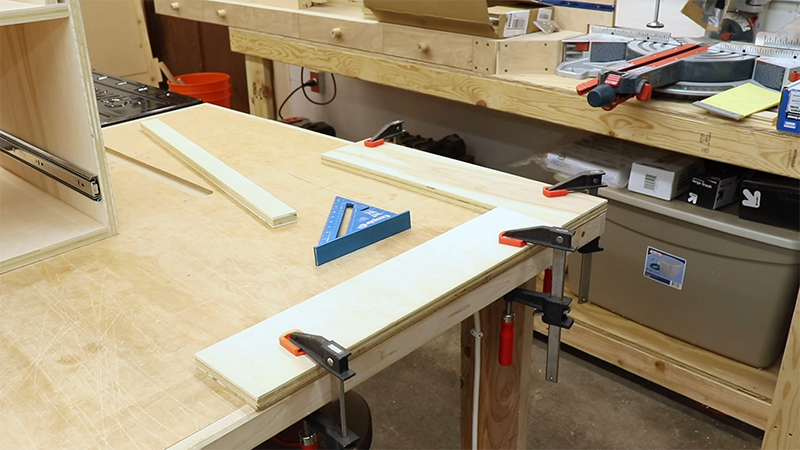 Setting up a squaring jig for drawer assembly