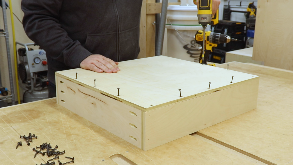 Attaching the Drawer Bottoms